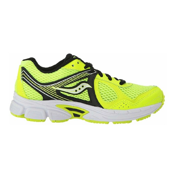 NWT Saucony Cohesion 10 LTT Boy Sneakers NWT